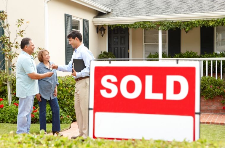 Pros and Cons of Purchasing an Older Home