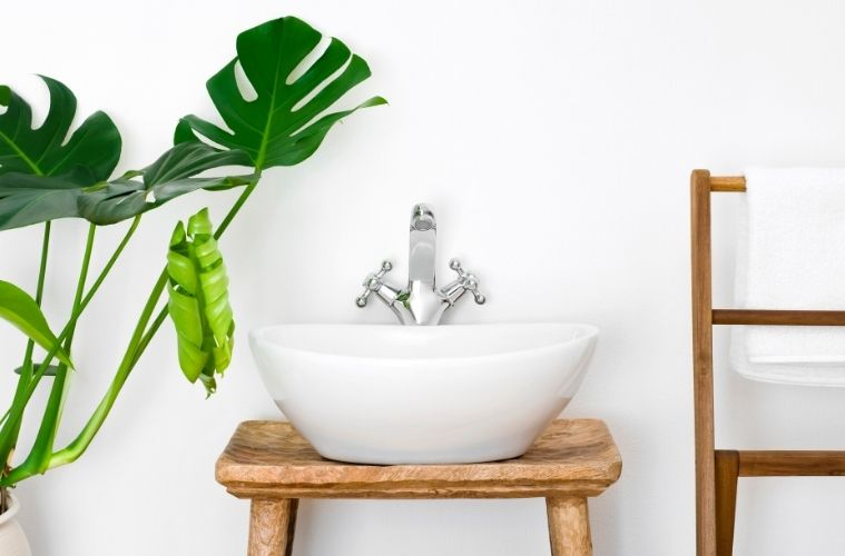 Tips and Tricks for Cleaning Your Bathroom