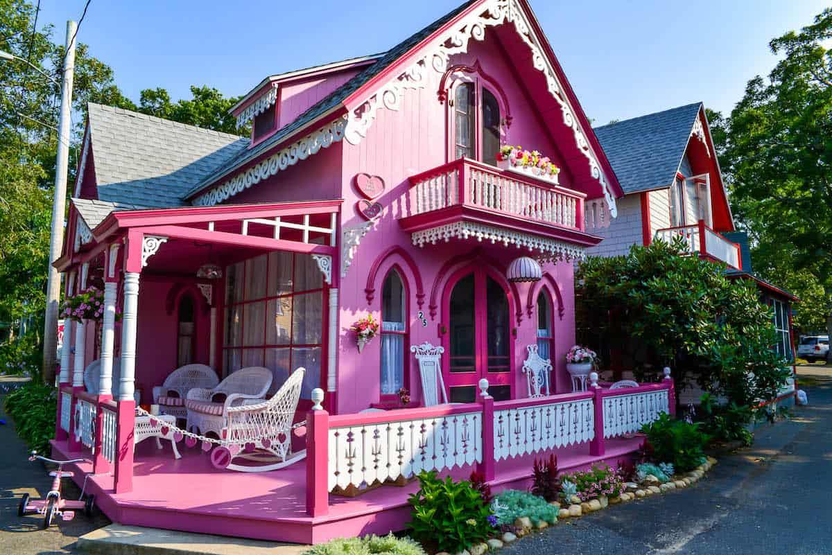 MV gingerbread cottages